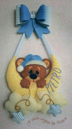 Baby bear name banner Felt Banner, Felt Garland, Felt Ornaments, Baby Crafts, Felt Crafts, Diy And Crafts, Bear Felt, Felt Baby, Luxury Nursery