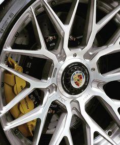 #porsche #911 #turbo #s #perfect #rims #carbon #supercar #canada #vencouver #granprix