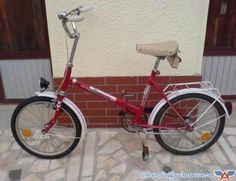 Bicicleta Pegas Traditional House, Old Pictures, Old Town, Childhood Memories, The Past, Retro, Socialism, Vintage, Travel