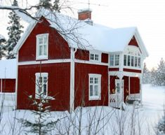 Awesome Red House Design Can Make The Atmosphere More Live Swedish Cottage, Red Cottage, Cottage Style, Red Houses, White Houses, Sweden House, Scandinavian Home, Cozy House, Architecture