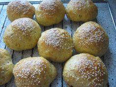 Tante Sød: Gulerodsboller med solsikker og sesam