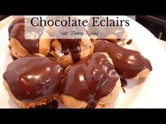Making chocolate eclairs is so easy and so delicious. Chocolate Eclairs, Chocolate Cake, Chocolate Swiss Roll, Eclair Recipe, Cream Puff Recipe, How To Make Chocolate, Doughnuts, Deserts, Rolls