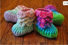 Baby Bootie Crochet Patterns | TheWHOot