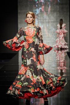 Spanish Wedding, High Fashion, Womens Fashion, Traditional Dresses, Elegant Dresses, Frocks, Catwalk, Boho Chic, Paisley