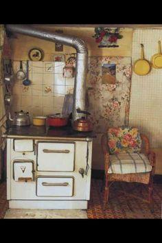 Lil kitchen