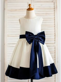A-Line/Princess Tea-length Flower Girl Dress - Satin Sleeveless Scoop Neck