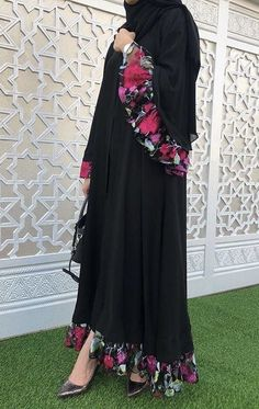 Iranian Women Fashion, Islamic Fashion, Muslim Fashion, African Fashion, Stylish Dress Designs, Stylish Dresses, Modest Dresses, Frock Fashion, Abaya Fashion