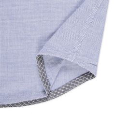 Paul Smith men's shirt with contrasting bias-faced hem Tailored Shirts, Casual Shirts, Men's Shirts, Foto Fashion, Mens Fashion, Mens Trends, Camisa Polo, Sewing Techniques, Fashion Details