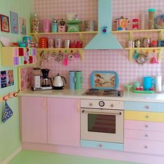 #retrokitchen #kitchencorner #villekulla #colorful_interior #colormehappy #fargerikehjem