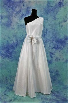Abito da sposa in taffettà di seta,Abito sposa bianco,abiti da sposa coordinati,nozze,abito di sfera,abito di seta di MAQUELLA su Etsy