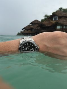 Rolex Sea Dweller SD 4000. 116600 in its element