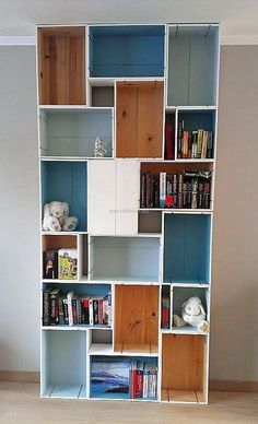 This idea of creating fruit crates shelving idea is for those who think that fruit crates are useless; they can be used in creating the shelves for the decoration purpose. Here you can see how the crates can be used for getting a place of placing decorative items.