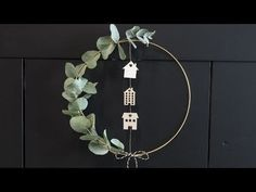 Let yourself be inspired by the sisters' DIY-projects. Make a wreath for the door. Happy Christmas HAPPY CHRISTMAS | IN.PINTEREST.COM WALLPAPER EDUCRATSWEB