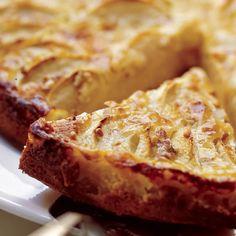 Vikkelä omenapiirakka | Leivonnaiset | Yhteishyvä Sweet Pie, Apple Pie, Banana Bread, Nom Nom, French Toast, Deserts, Goodies, Food And Drink, Sweets