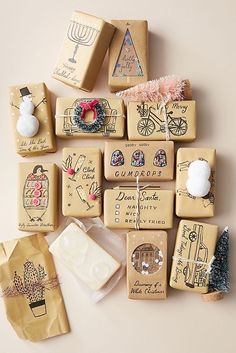 Simple Christmas Gift Wrapping Ideas with Kraft Paper - The Inspired Room Simple Christmas Gift Wrapping Ideas with Kraft Paper - The Inspired Room Christmas Gift Wrapping, Diy Christmas Gifts, Christmas Time, Holiday Gifts, Santa Gifts, Christmas Cooking, Handmade Christmas, Diy Quilling, Diy Cadeau Noel