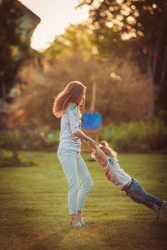 Tem vezes que eu não sei ou não quero, brincar com os meus filhos. Isto faz de mim uma mãe ruim? E existe mãe perfeita?
