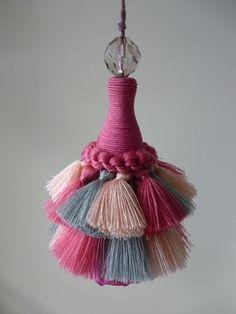 ローズのフラワータッセル(ピンク) - Princess tassel ON-LINE SHOP