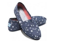 Navy Stars Vegan Women's Classics from Toms Shoes.  Twinkle twinkle little stars on a rich navy hemp that's planet and animal friendly.  Get your rebate from RebateGiant.