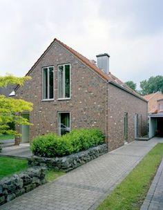 edles einfamilienhaus mit blechdach dach pinterest einfamilienhaus edel und dachs. Black Bedroom Furniture Sets. Home Design Ideas