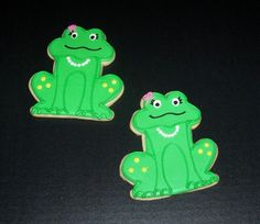 frog cookies Frog Cookies, Cut Out Cookies, Decorated Cookies, Frogs, Cookie Decorating, Yoshi, Insects, Birds, Birthday