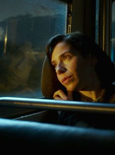 """""""The Shape Of Water"""" handles race and misogyny with elegance. """"Three Billboards Outside Ebbing, Missouri"""" does not. Creative Portraits, Creative Photography, Inspiring Photography, Flash Photography, Photography Tutorials, Beauty Photography, Digital Photography, Portrait Photography, Vicky Christina Barcelona"""