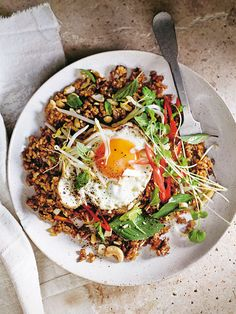 A fresh + light spin on a favourite asian dish using wholesome brown rice