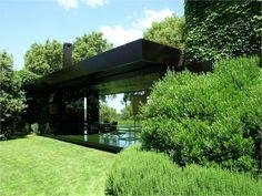 Nuovi volumi in villa esistente in Toscana/ Lazzarini Pickering Architetti