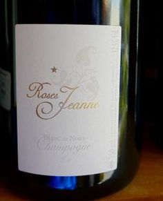 Roses Jeanne   Champagne - Blanc de Noir. Ringing in the New Year in style with wonderful friends...cheers!