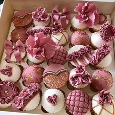 Fondant Cupcakes, Buttercream Cake, Cupcake Cakes, Wedding Cupcakes, Birthday Cupcakes, Cupcake Cake Designs, Cupcakes Design, Italian Cream Cakes, Pizza Cake