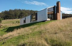British designer and television presenter Kevin McCloud is set to visit Australia next year, and he has singled out a Bruny Island property as one he would love to visit. Modern Barn House, Modern House Design, Shed Homes, Cabin Homes, Farm Shed, Bruny Island, Small Buildings, Beach Shack, Grand Designs