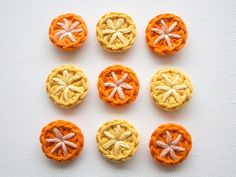 motleymakery:  Make a Set of Cool Crochet Buttons: Great tutorial by Wink, on Tuts +.