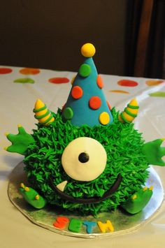 cute monster birthday cake, made by my cousin. she rocks! Monster Smash Cakes, Monster Birthday Cakes, Little Monster Birthday, Monster 1st Birthdays, Monster Birthday Parties, Themed Birthday Cakes, Baby 1st Birthday, First Birthday Parties, Birthday Party Themes