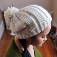 Free knitting pattern: Simple Ribbed Hat With Pom Pom by Purl Avenue Crochet Beanie, Knit Or Crochet, Knitted Hats, Crochet Hats, Knitting Patterns Free, Knit Patterns, Free Knitting, Free Pattern, Cable Knit Hat