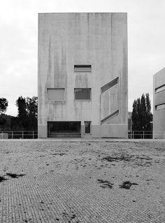 Alvaro Siza - Oporto school of architecture, Porto 1994. Via fulvio roxo