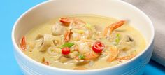 Curry suppe opskrift med rejer, kokosnød og chili - se den her, Chili, Thai Red Curry, Soup, Dinner, Ethnic Recipes, Karry, Den, Mushroom, Curry Soup