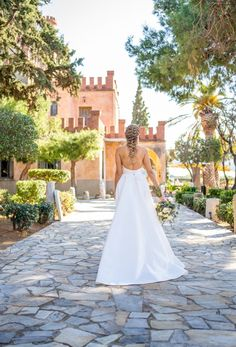 This Majestic Wedding Inspiration is just what you need this spring! Designed around Athenian landmark with 350 year old history for your royal wedding! Spring Wedding Inspiration, Royal Weddings, Greece, Tower, Wedding Dresses, Fashion, Greece Country, Bride Dresses, Moda