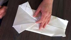 Den perfekte måten å brette serviettene på? I alle fall til konfirmasjonsbordet! - Kreative Idéer Deco Table, Napkins, Tableware, Diy, Food, Boards, Dinnerware, Meal, Towels