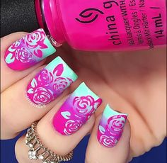 In all the their gradient glory, ombre nails are a unique way to elevate a basic manicure without an elaborate nail design. Elegant Nail Designs, Ombre Nail Designs, Best Nail Art Designs, Black And White Nail Designs, Finger, London Nails, Nail Pictures, Modern Nails, Gradient Nails