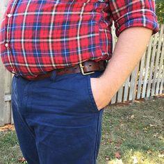 A minor belt adjustment for a major improvement. Perfect for big men's bellies. Learn the secret at Chubstr.