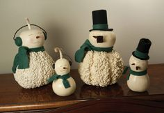 Hand-crafted gourd crafts and artisan home decor made in the USA. Meadowbrooke Gourds is the largest maker of hand-crafted gourds in the world. Christmas Snowman, Christmas Themes, Christmas Crafts, Christmas Ornaments, Holiday Decor, Hand Painted Gourds, Gourd Lamp, Christmas Paintings, Pattern Art