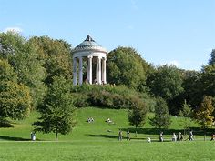 Awesome Munich us Englischer Garten Bucolic to the max ridecolorfully