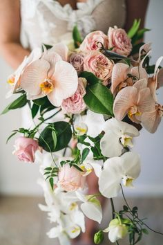 Modern Bouquet Shapes for the Contemporary Bride