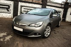 Opel Astra GTC In grey matte wrapping