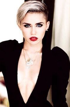 I LOVE this picture of Miley ❤️❤️❤️
