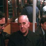 El día que el entonces Card. Jorge Bergoglio tuvo que utilizar chaleco antibalas