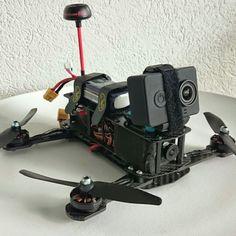 RaceQuad mit Xiaomi Yi und Gummischutz :) #rcfly #rcflyluzern #fpv #racequad #racecopter Gopro, Fpv Drone, Cameras, Outdoor Living, Action, Accessories, Original Gifts, Outdoor Life