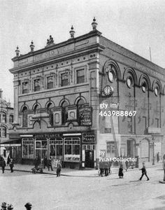 The Old Vic Theatre London 1926 Vintage London, Old London, Waterloo Station, Elephant And Castle, London History, London Theatre, London Places, London Photos, Theatres