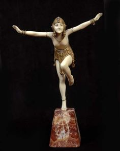 Demetre Chiparus Chain Dancer, circa 1925, cold-painted, gilt-bronze and ivory, on onyx plinth