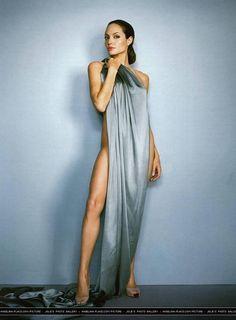 #WrażeniaEstetyczne, Angelina Jolie pic.twitter.com/Eh9QqcLQqt