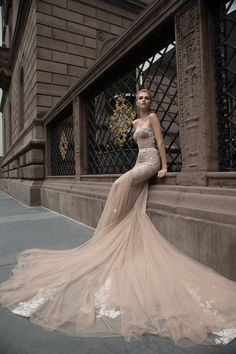 Inbal Dror Wedding Dresses with A Touch of Old Hollywood Glamour These Inbal Dror wedding dresses are killing it with the old Holly. 2016 Wedding Dresses, Bridal Dresses, Wedding Gowns, Dresses 2016, Tulle Wedding, Wedding Blog, Dresses Online, Prom Dresses, 2017 Wedding